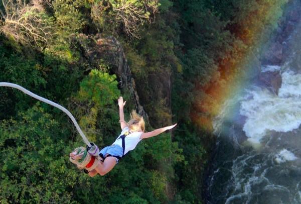 Прыжок на тарзанке в Водопад Виктория