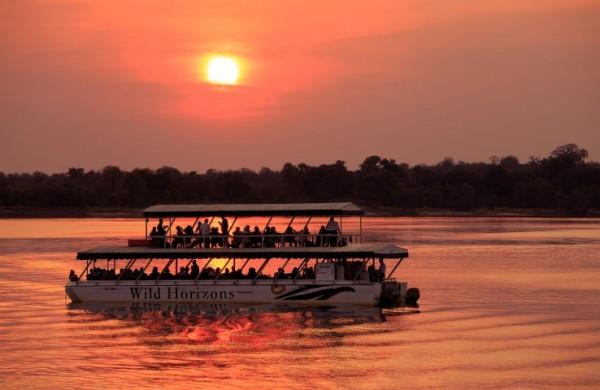 Круиз по реке Замбези на закате солнца
