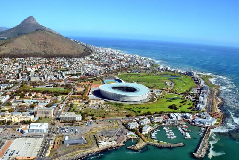 Приключенческий тур в ЮАР, Кейптаун, вид на город и стадион